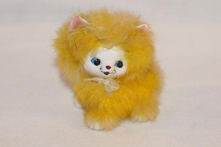 Portselanist kuju. kass